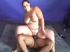 Fat lady with big ass jumps on cock